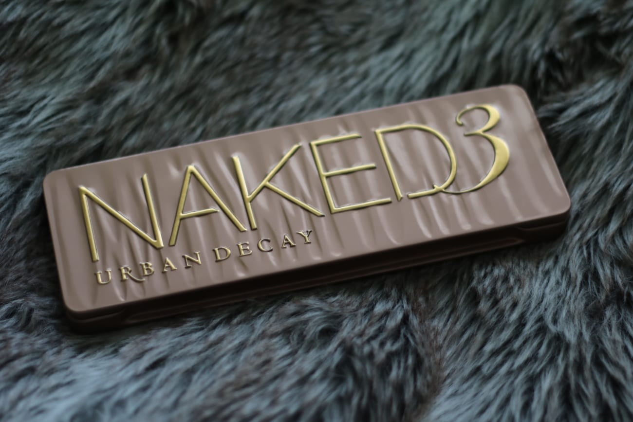 Urban Decay Naked 3 Rose Eyeshadow Palette review best beauty products makeup cosmetics 2016 you should buy blog roxi rose europe english top 10 top 50 popular