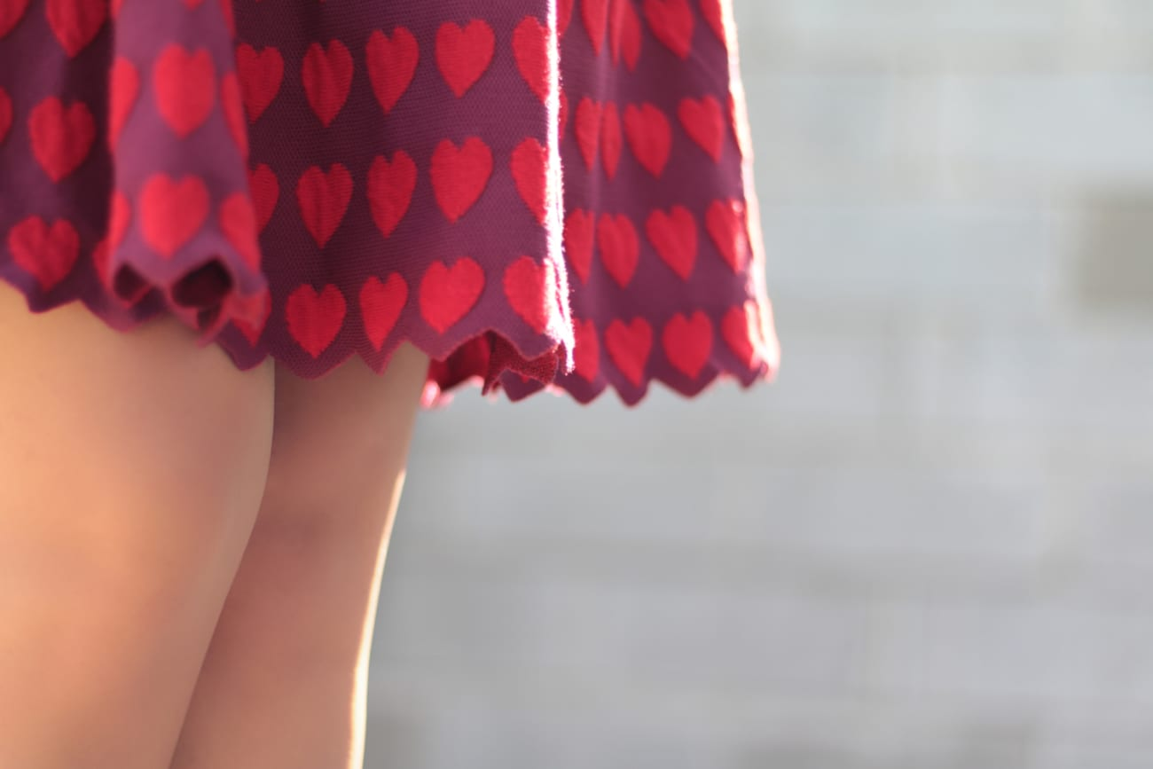 vintage comic book red hearts dress topfashion.com.ro old style pearls roxi rose (6)